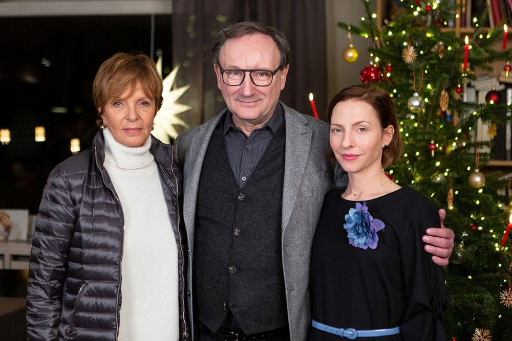 Foto mit Katharina Schüttler (r.), Ulrike Kriener und Rainer Bock